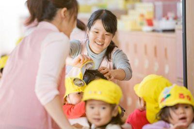 子育てと両立しながら働いている30代・40代の先生も多い小規模でアットホームな幼稚園