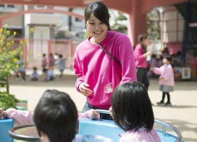 広い園庭でのびのびと遊びおともだちとの関わりも大切にしている小規模な幼稚園