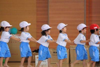 子育てしながら勤務している保育補助の先生も多い幼稚園