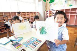 先生たちが出来る限り長く勤められるような仕組み作りも毎年のように行っているため幅広い年代の先生たちが勤務している幼稚園