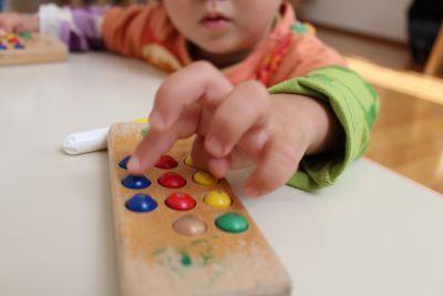 一人ひとりの様子や段階に合ったサポートを個別に対応している児童発達支援及び放課後デイサービス