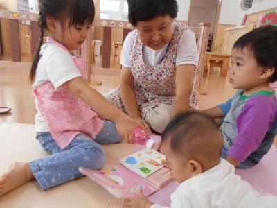 0歳から2歳の子ども達のみなので、保育の根っこの部分をしっかりと子ども達と関われる事ができる小規模保育園