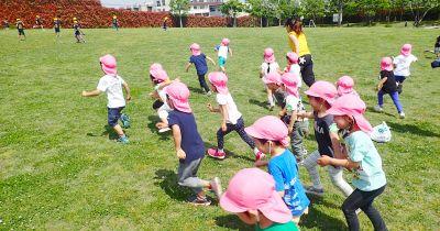 広い園庭での外遊びや季節に合った制作や行事など健康的な体作りを大切にしている幼稚園